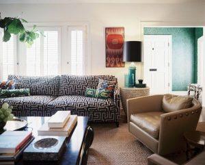 Trang trí phòng khách với những sofa đầy màu sắc